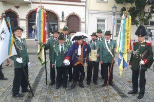"Luckauer Schützen mit ""Altem Fritz"""
